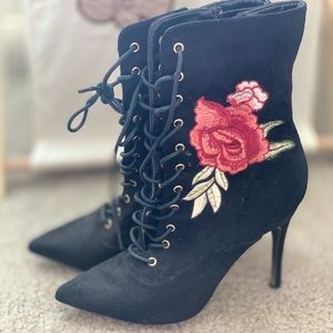 Shoes - Rose heel boots